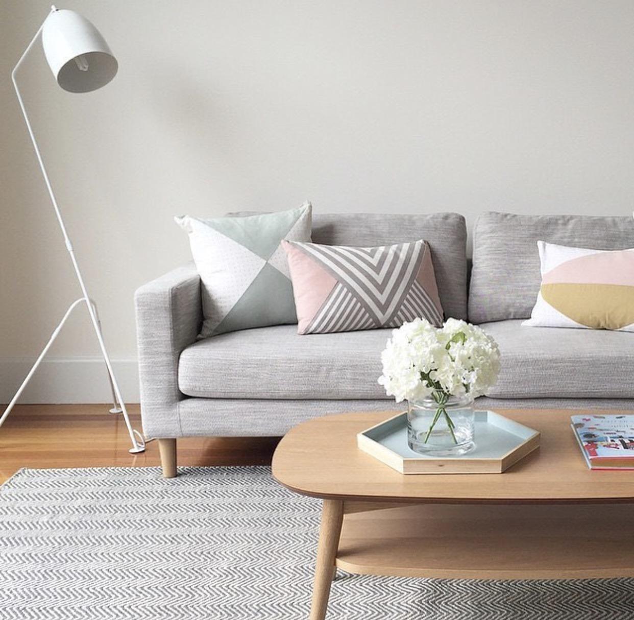 Sala en gris decoracion color muebles combinacion perfecta for Muebles de sala color gris